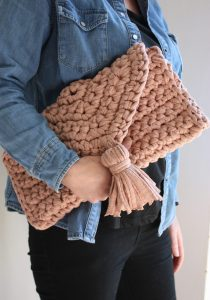 Oversize Clutch T shirt Yarn CRochet Pattern