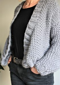 Cropped Chunky Knit Cardigan Easy Knitting Pattern